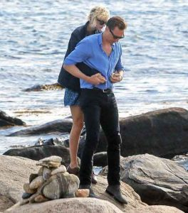 Taylor Swift and Tom-Hiddleston