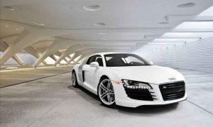 Taylor-swift-car-Audi-R8